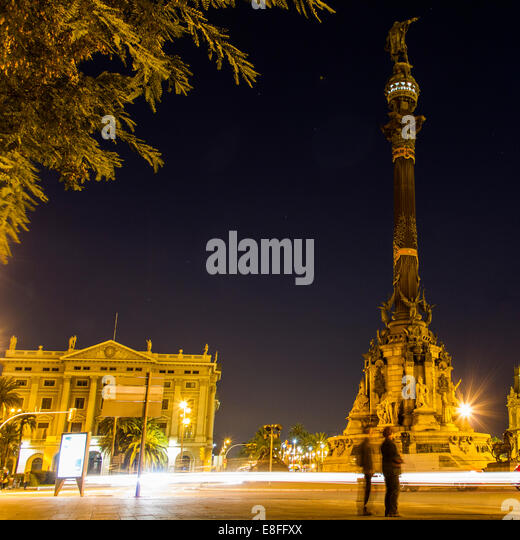 Spain, Catalunya, Barcelona, Columbus Monument at night - Stock Image