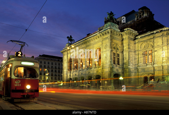 the State Opera House Vienna Austria - Stock-Bilder