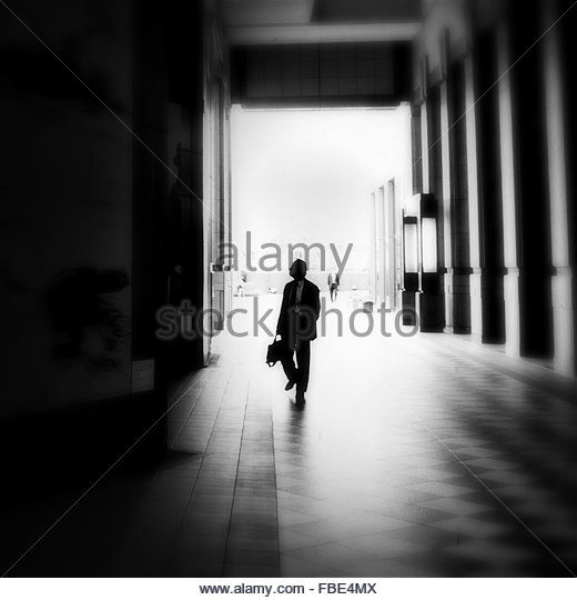 Man Walking In Museum - Stock-Bilder