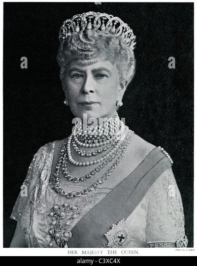 Her Majesty the Queen, Queen Mary, from the souvenir programme of the King George's Jubilee, photo Vandyk, published - Stock-Bilder