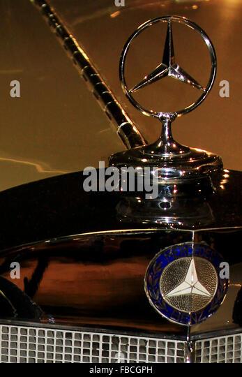 Mercedes hood ornament stock photos mercedes hood for Mercedes benz hood ornament