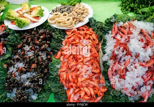 La Barca del Salamanca seafood restaurant, seafood platter, Barcelona, Spain - Stock Image