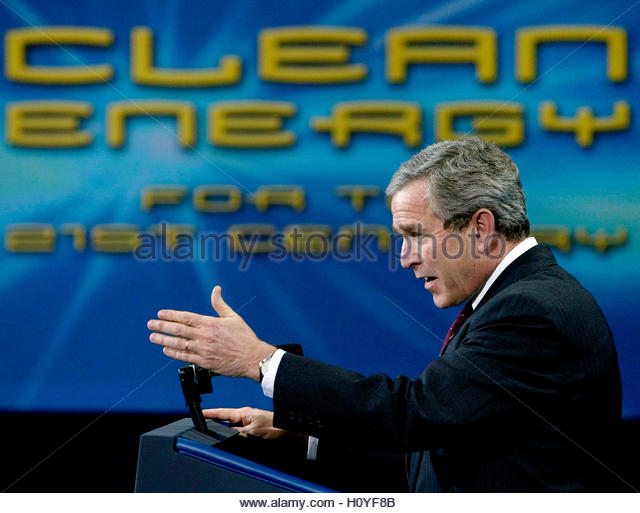 U.S. President George W. Bush speaks about the use of hydrogen fuel cells as power sources for consumer products - Stock Image
