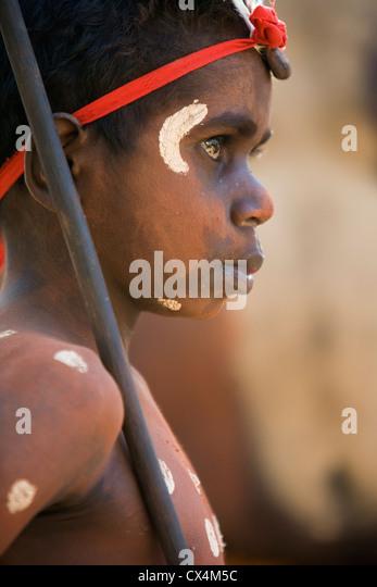 Dancer from the Aurukun community at the Laura Aboriginal Dance Festival. Laura, Queensland, Australia - Stock-Bilder