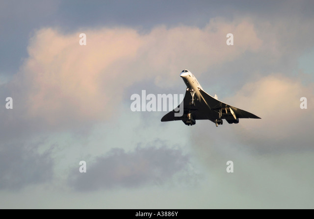 British Airways Aerospatiale-British Aerospace Concorde 102  landing at London Heathrow Airport for the last time - Stock Image