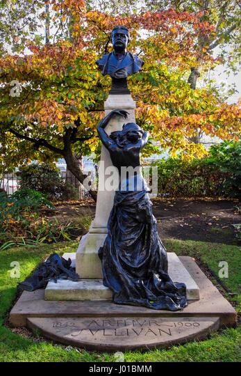 London, Victoria Embankment Gardens. Sir Aurthur Sullivan 1842-1900 memorial. Bust of the composer and sculpture - Stock Image