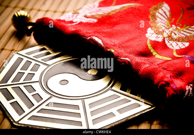 Idil stock photos idil stock images alamy for Decoration murale yin yang