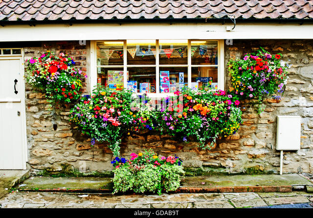 Hanging Flower Baskets Vancouver Wa : Flower baskets stock photos images