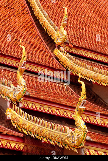 Roof detail at Wat Chetawan Buddhist temple in Chiang Mai, Thailand. - Stock Image