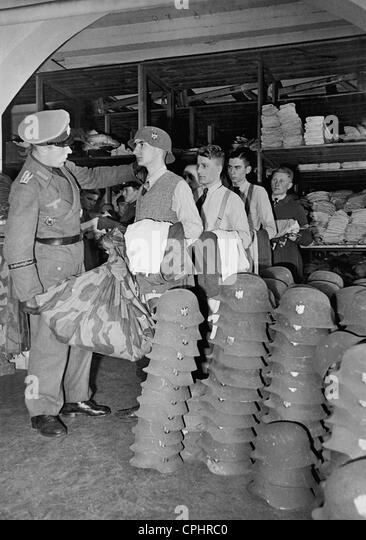 War volunteers at the investiture, 1944 - Stock Image