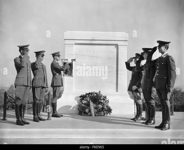 Soldiers Saluting at Tomb of Unknown Soldier, Arlington National Cemetery, Arlington, Virginia, USA, October 20, - Stock Image
