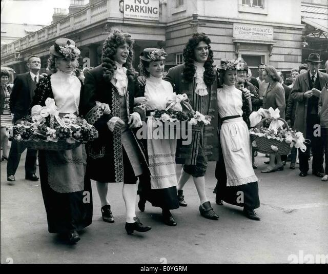 May 05, 1970 - Covent Garden Market Goes Gay For Its 300th. Birthday Celebrations: Covent Garden, London's famous - Stock Image