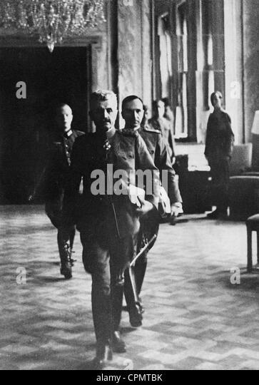 General Mihai Bodi at the capitulation of Yugoslavia, 1941 - Stock Image