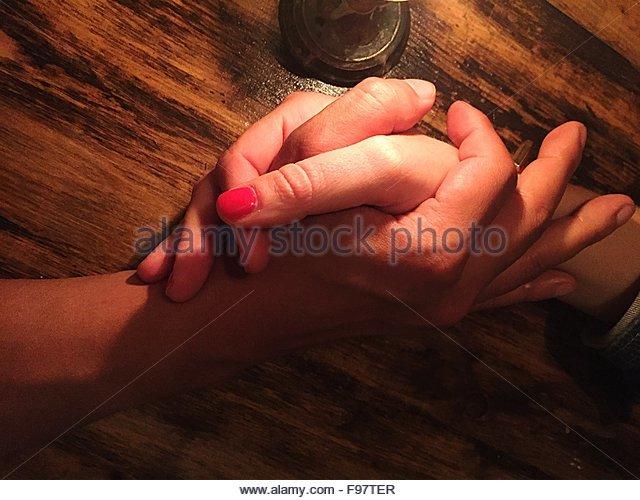 Holding Hands Of Couple - Stock-Bilder