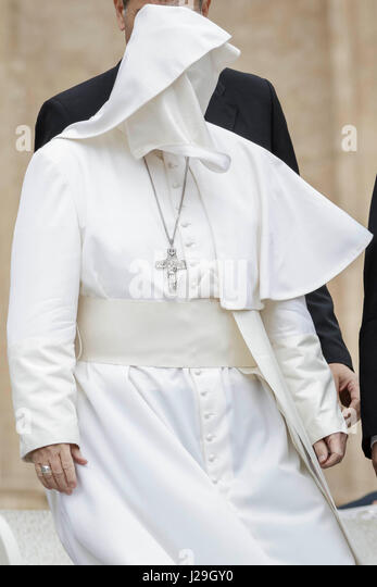 Vatican City, Vatican. 26th April, 2017. A gust of wind blows off Pope Francis' mantle during his Weekly General - Stock Image