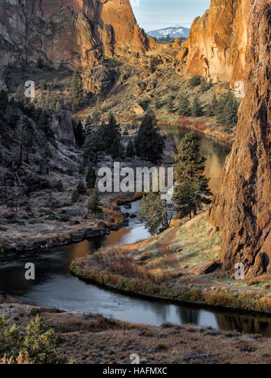 crooked-river-in-smith-rock-state-park-o