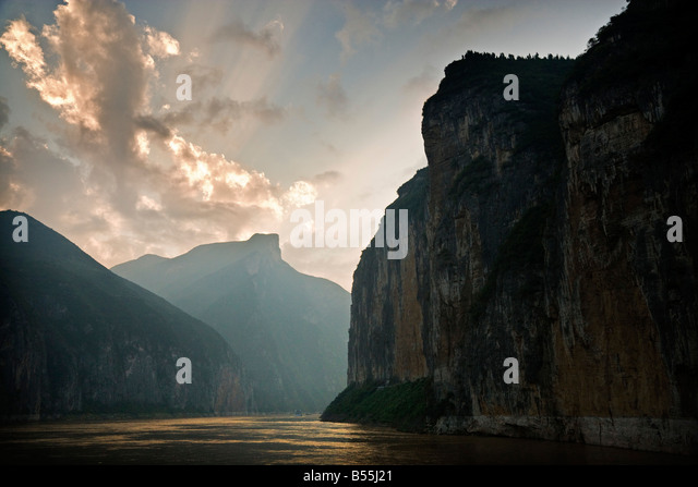The Kuimen Gate of the Qutang Gorge in the Three Gorges area of the Yangzi River China JMH3367 - Stock Image