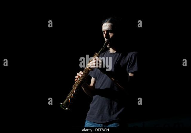 Saxofon stock photos saxofon stock images alamy for Calle victoria kent prado del rey