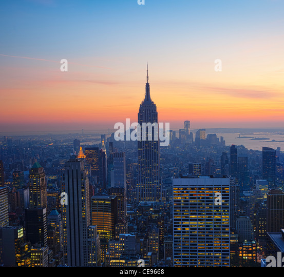 Empire State Building at Sunset from Top of the Rock Observatory - Stock-Bilder