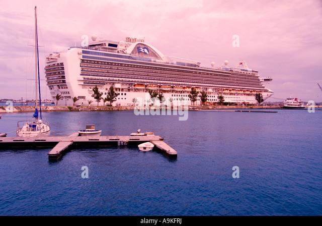 Bermuda cruise ship Royal Naval Dockyard - Stock Image