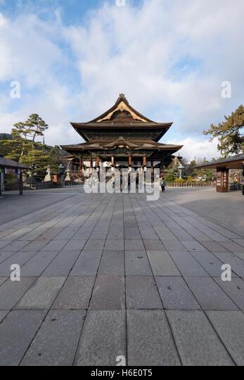 Nagano, Japan - December 27, 2015: Zenk0-ji is a Buddhist temple located in Nagano, Japan. - Stock-Bilder