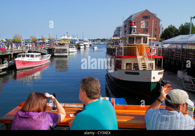 Portland Maine Historic Old Port District Congress Street Chandlers Wharf Portland Lobster Company alfresco dining - Stock Image