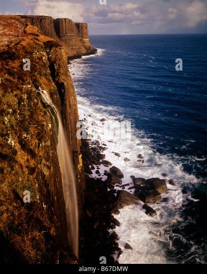 Falls at Kilt Rock Scotland United Kingdom Isle of Skye Waterfall - Stock-Bilder
