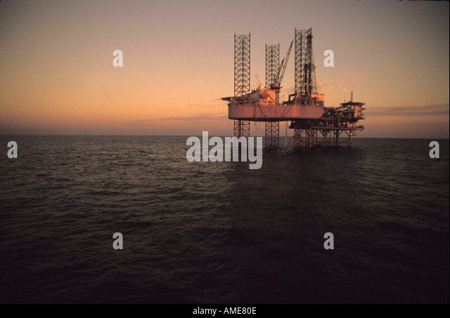 Ocean Oil Rig - Stock-Bilder