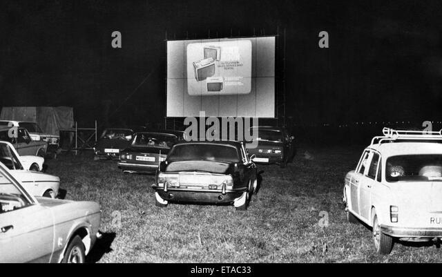 Drive in cinema stock photos drive in cinema stock for Motor vu drive in dallas oregon