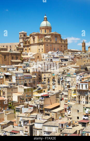 Piaza Armerina, old town, Baroque Cathedral from 1768, Sicily, Italy - Stock-Bilder