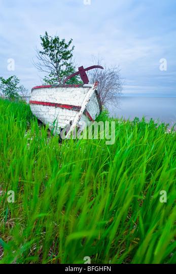 Abandonded boat wreck on Lake Winnipeg shoreline, Hecla Island. Hecla Village,Hecla Island Provincial Park, Manitoba, - Stock Image