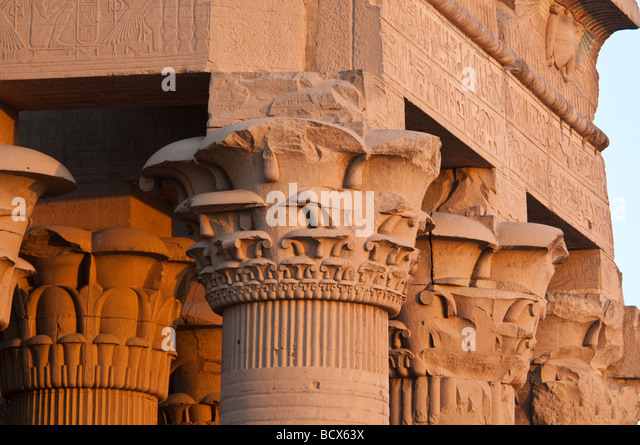 Egypt Kom Ombo Temple closeup of papyrus columns holding up roof - Stock Image