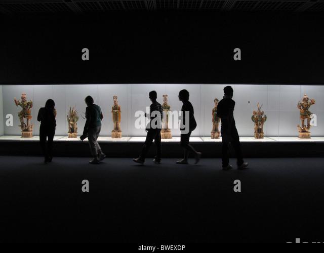 Polychrome-glazed pottery, Tang Dinasty, Shanghai Museum, CHINA. - Stock Image
