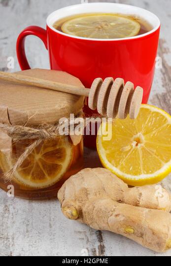 how to make fresh honey and lemon tea