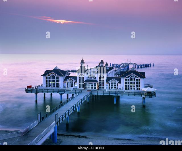 DE - ISLAND OF RUEGEN: The Pier at Sellin - Stock-Bilder