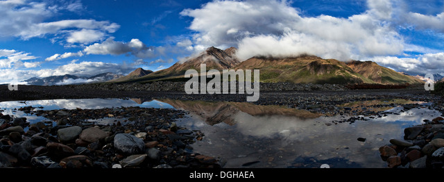 Camp Cloudy and Polychrome Mountain in Denali National Park, Alaska - Stock Image