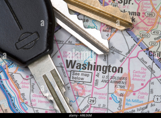 A close up of a map of Washington D C with car keys - Stock Image