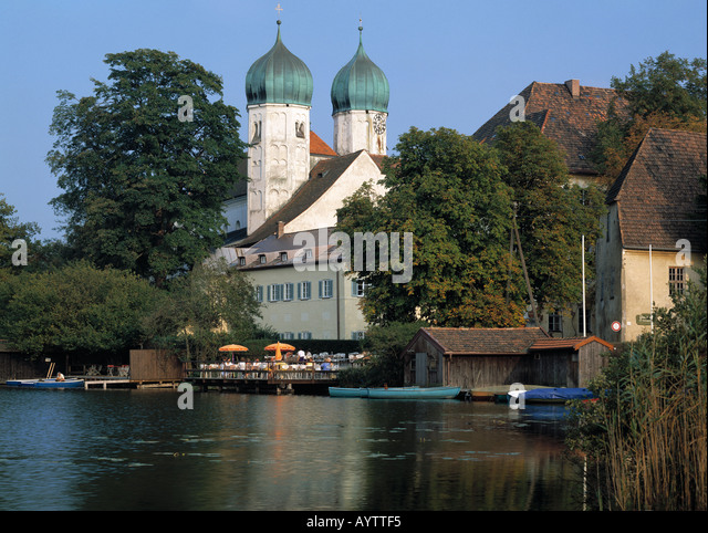 Kloster Seeon an einem See, Seeon, Chiemgau, Oberbayern - Stock Image