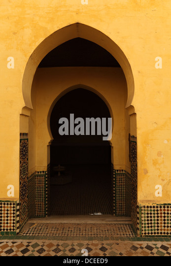 Oriental arch doors in the medina of Meknes, Morocco - Stock Image