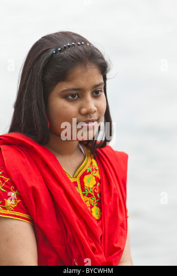 Young girl tourist from Bangladesh at the New Summer Palace, Beijing, People's Republic of China. JMH4792 - Stock Image