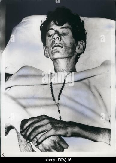 Jun. 06, 1963 - ''Human Skeleton'' Nearly Shot: Sidney Dale has survived 28 days of being lost in - Stock Image