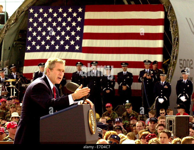 Oct 17, 2001; Fairfield, CA, USA; President GEORGE W. BUSH at Travis Airforce Base.  Afterwards Bush went to Sacramento - Stock Image