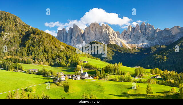 Santa Maddalena village in Dolomites Mountains, Puez Odle Nature Park, South Tyrol, European Alps, Italy - Stock-Bilder