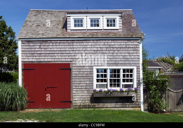 Nantucket house stock photos nantucket house stock for Nantucket shingle style