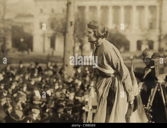 Suffragist Lucy Branham speaking at outdoor meeting during the militant National Women's Party 'Prison Special' - Stock Image