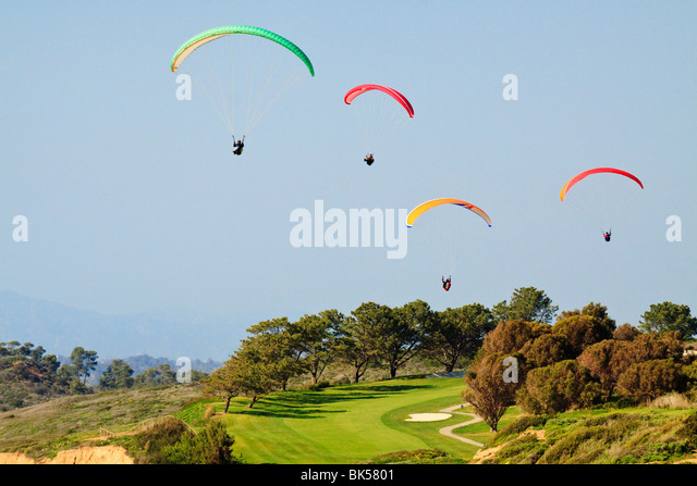 Paragliders soaring above Torrey Pines Golf Course-LaJolla, California, USA. - Stock Image