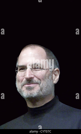 Apple CEO Steve Jobs on stage to announce the U2 iPod in San Jose, CA in 2004 - Stock Image