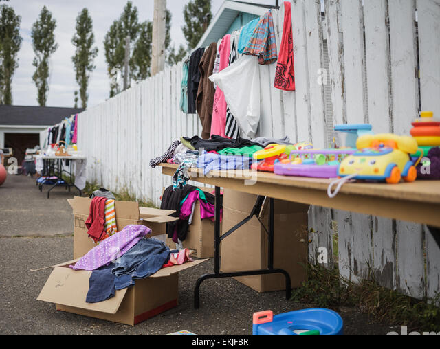 Garage Sale with lot of Items - all Logo removed. - Stock-Bilder