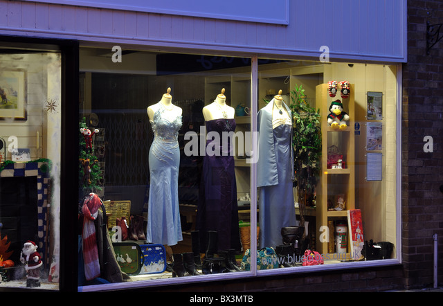 Warwick clothing stores