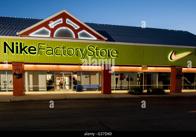 Nike Factory Store - Oshkosh, Wisconsin - The Outlet Shoppes at Oshkosh Store location, hours, contacts Nike Factory Store store or outlet store located in Oshkosh, Wisconsin - The Outlet Shoppes at Oshkosh location, address: S Washburn, Oshkosh, Wisconsin - WI /5(1).